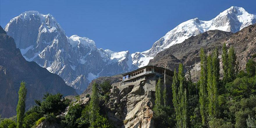 Dünyanın en yüksek 50 zirvesinin 17'si Pakistan'da: Zirveler diyarı Gilgit-Baltistan