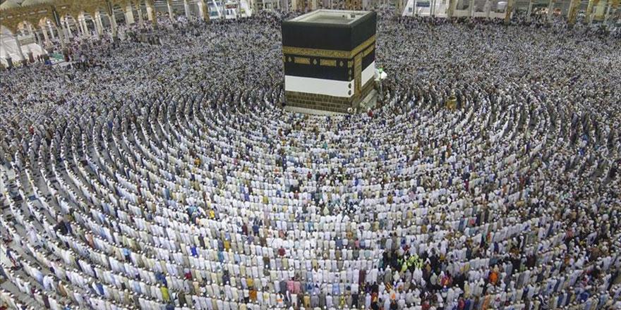 Mescid-i Haram ve Mescid-i Nebevi'de teravih namazları 10 rekat kılınacak