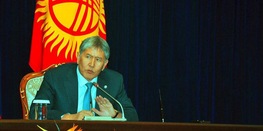 Atambayev'in gözaltı süresi uzatıldı