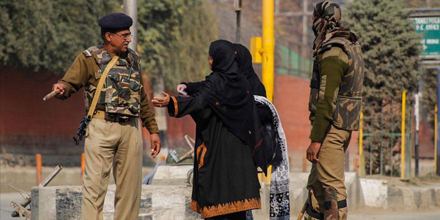 Hindistan'ın, çoğunuluğu Müslüman olan Keşmir'de yaptığı 'yerlilik' hilesi