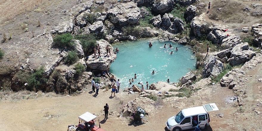 Uyuz ve egzaması olanlar Sivas'taki göle akın ediyor
