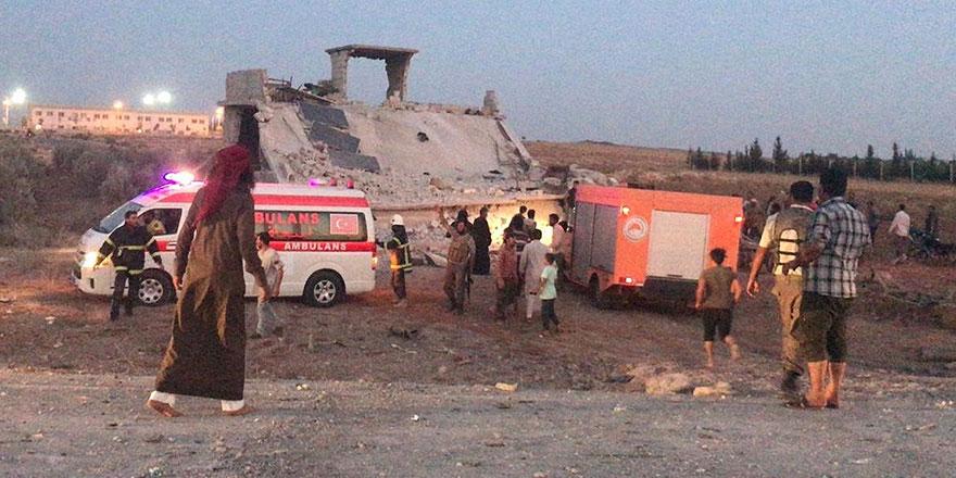 Suriye'de Türkiye sınırındaki hastaneye saldırdılar: 12 ölü