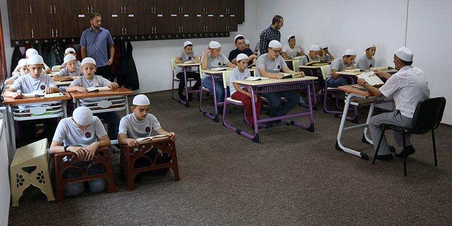 Balkanların hafızlık enstitüsü Kosova'da