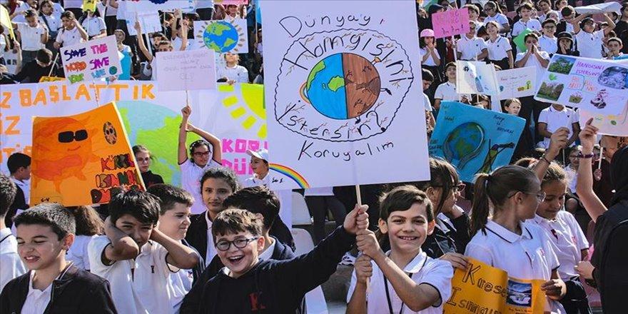 Ankara'da öğrencilerden 'küresel iklim değişikliği' eylemi