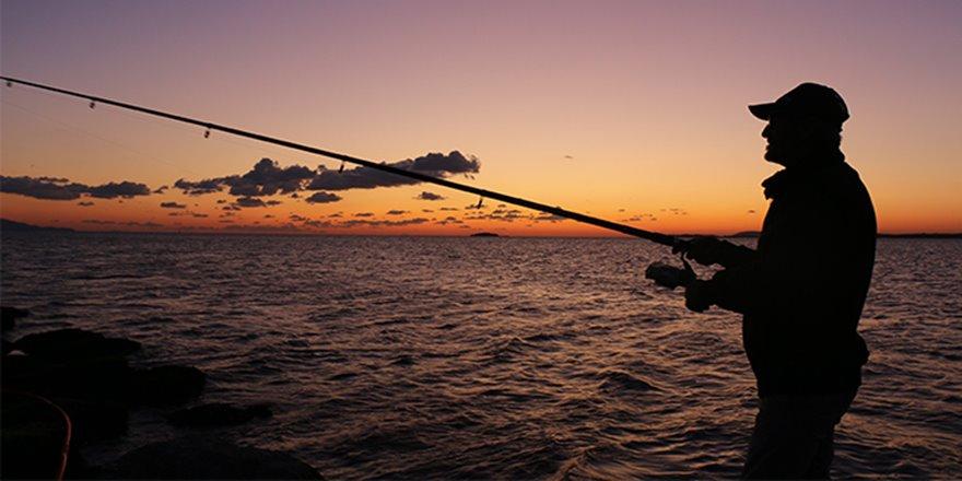 Marmara Denizi'nde gün batımı kartpostallık görüntüler oluşturdu