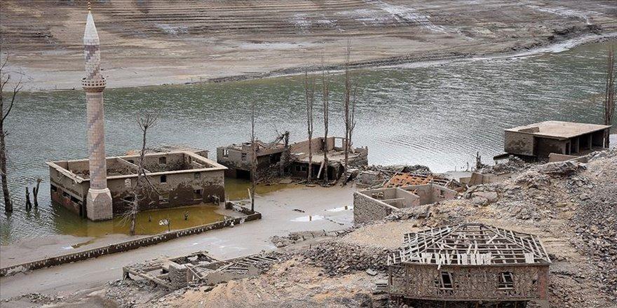 Sular çekildi köy sakinlerinin hatıraları canlandı