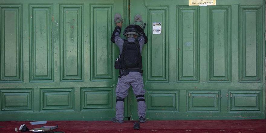 Siyonistlerden Mescid-i Aksa'ya baskın