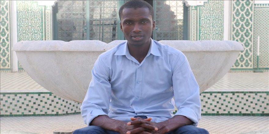 Dakar'ın Türkiye sevdalısı gönüllü müezzini artık Türkçe konuşuyor