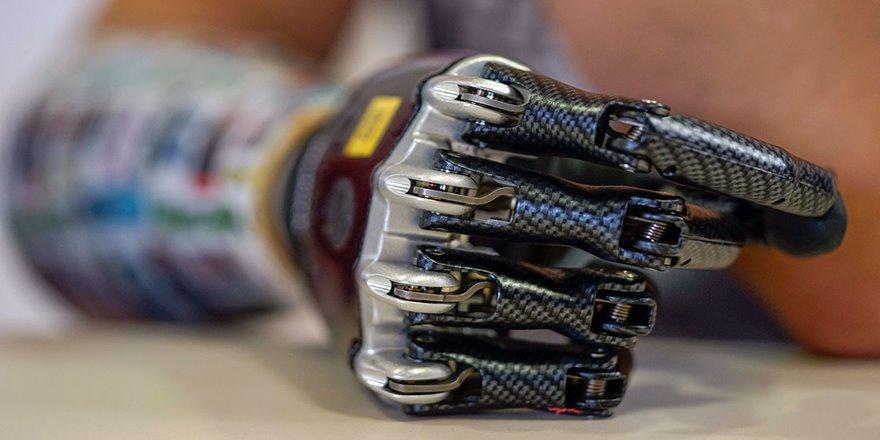 Hislere göre hareket edebilen biyonik el geliştirildi