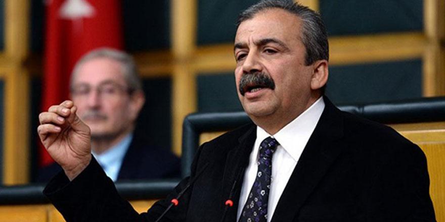 Sırrı Süreyya Önder'i anlatan BBC'nin 'Nurcu dayı' vurgusu!