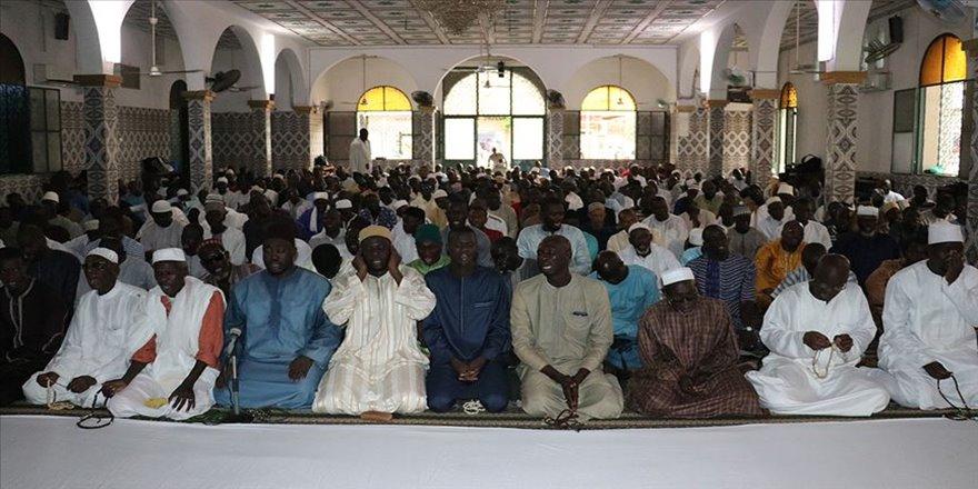 Senegal'de bir asırdır susmayan zikir: Hadarat-ul Cuma