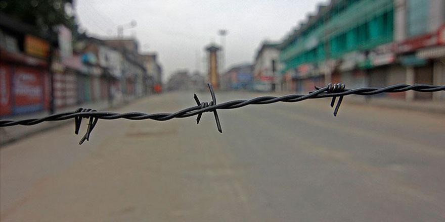 Cammu Keşmir'de yaklaşık 1,4 milyon kişi telefon kullanmayı bıraktı