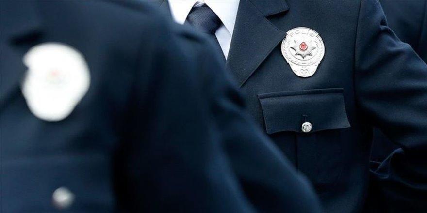 Emniyet, polisin görev saatlerinde sigara içmemesini istedi
