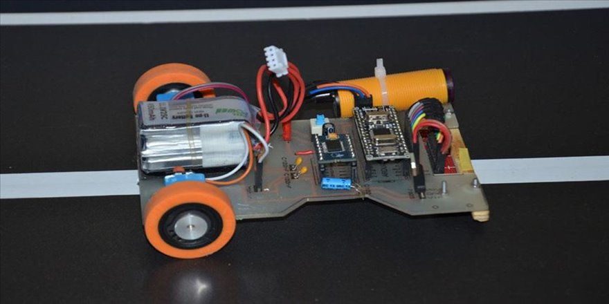 Liseliler robot 'Güneş' ile şampiyonluk istiyor