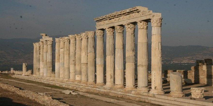 Tarihteki ilk kentlerden biri olan Laodikya istenen ilgiyi göremedi
