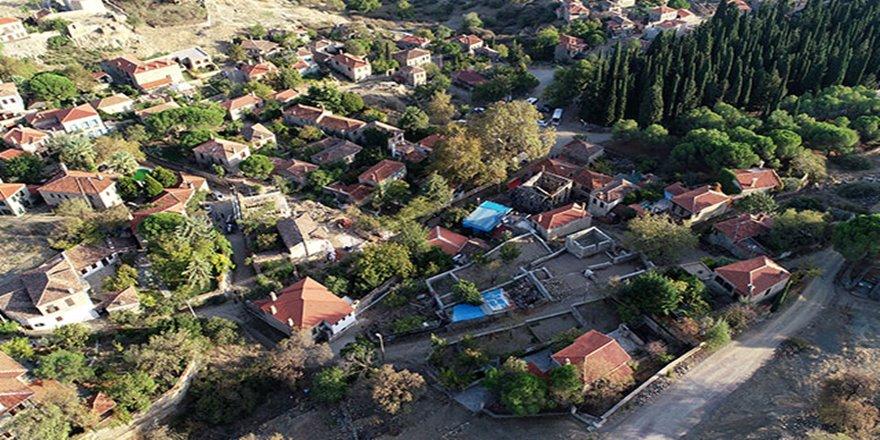 Sit alanı Adatepe'deki yapılar yenileniyor