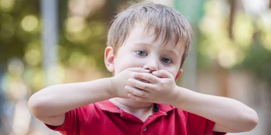 Çocuğunuz söyleneni sürekli tekrarlıyorsa ekolali olabilir!
