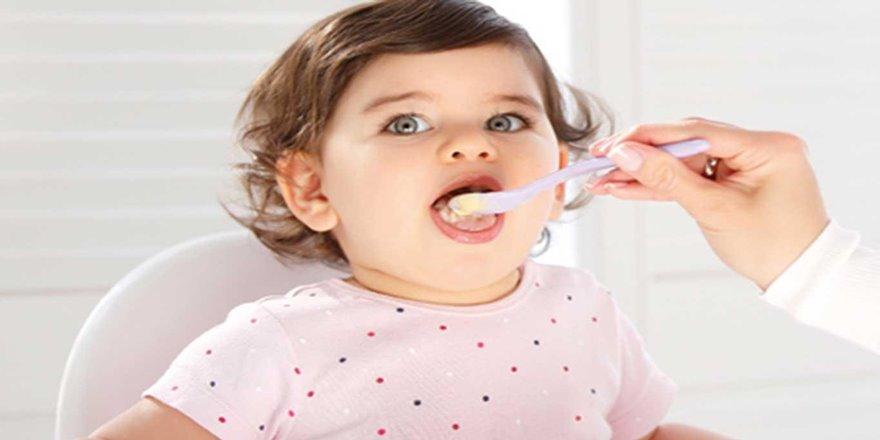 Bebeğinizin kaşığıyla mamasının tadına bakmayın!