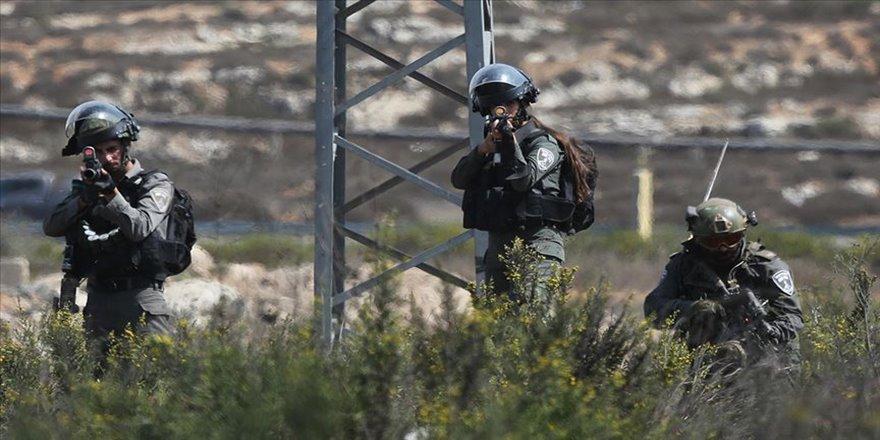 İşgalci İsrail güçleri Batı Şeria'da bir Filistinliyi şehit etti
