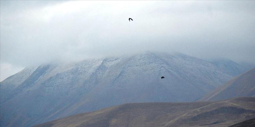 Kösedağ'a mevsimin ilk karı yağdırıldı