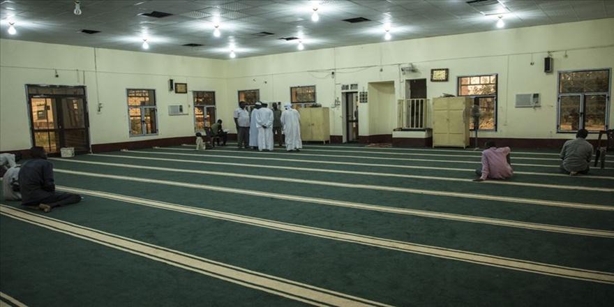 TDV'nin Sudan'da yeniden inşa ettirdiği cami ibadete açıldı