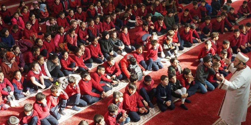 Ortaokul öğrencileri Hazreti Muhammed (asm) için mektup yazdı
