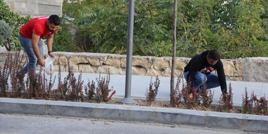 Nevşehir halkı daha temiz çevre için 'izmarit' topluyor