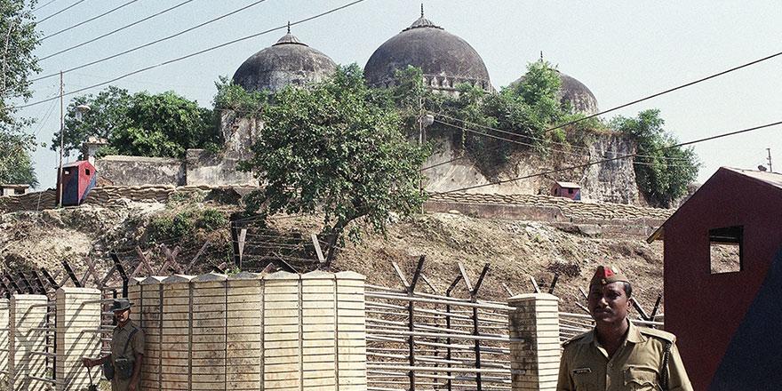 Hindistan'da Müslümanlar Babri Camisi'nden vazgeçmeyecek