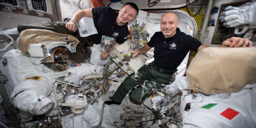 2 astronot şimdiye kadarki en karmaşık uzay görevine başladı