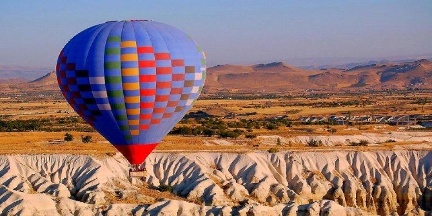 Rengarenk kurutmalıklar Kapadokya'daki turistleri cezbediyor