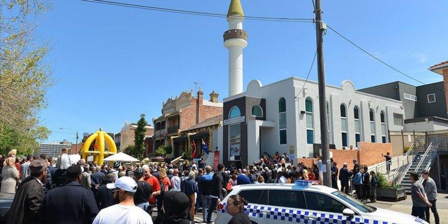 Melbourne'ün 50 yaşına giren ilk camisi için şenlik düzenlendi