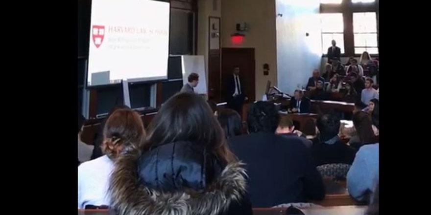 İsrail'in New York Başkonsolosu'na Harvard öğrencilerinden şok hareket