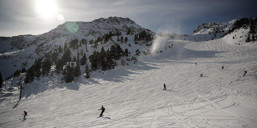 Andorra düşük vergilerden ve kayak turizminden kazanıyor