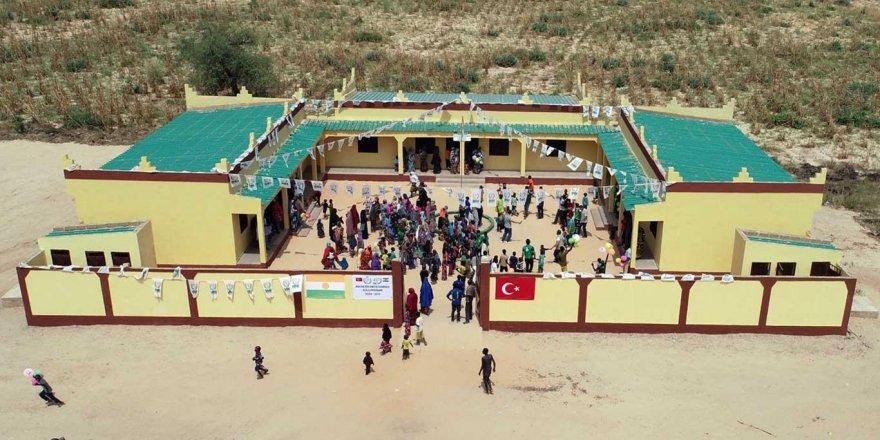 Nijer'de okul, cami ve sağlık ocağı açılışı