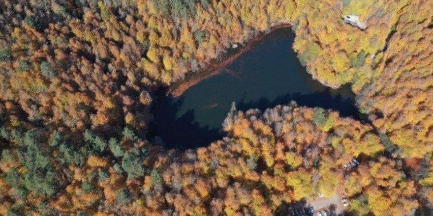 Yedigöller'de sonbaharın getirdiği görsel şölen havadan görüntülendi