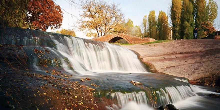 Ahlat'ta seyrine doyumsuz sonbahar manzaraları