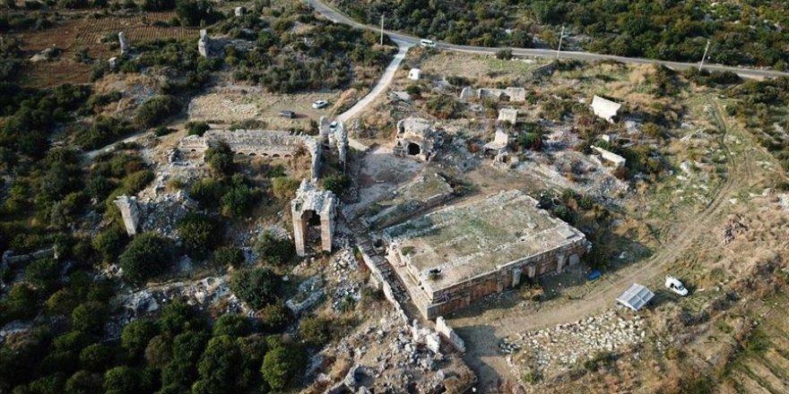 Mersin'deki Akkale Antik Kenti'nde binlerce yıllık hamam bulundu