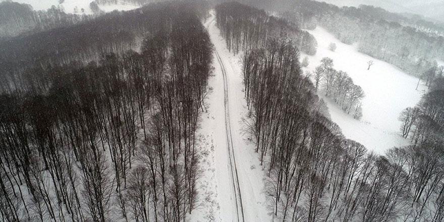 Karla kaplı yaylalarda muhteşem görüntüler