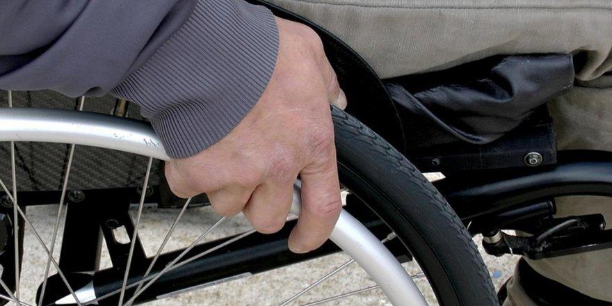 Evde bakım yardımı ve engelli aylığı alanların süresi dolan raporları geçerli sayılacak