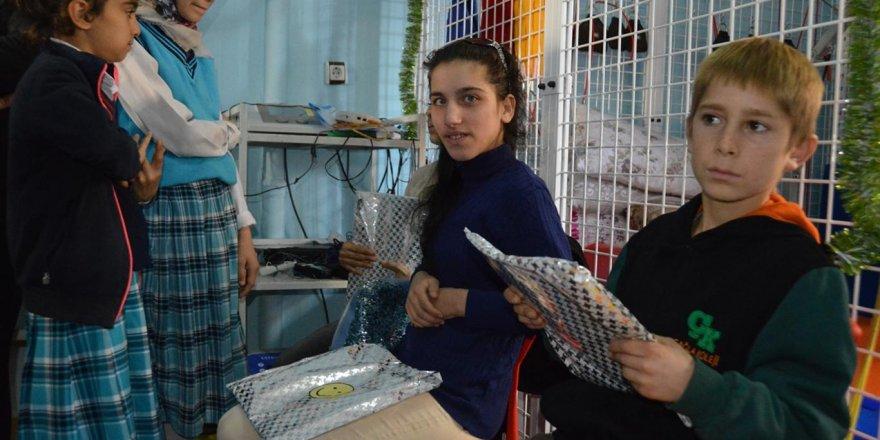 İmam hatip öğrencilerinden engelli çocuklara ziyaret