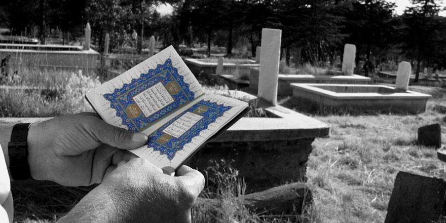 Kabir ziyaretinin faydaları nelerdir? Ölüler kabrine gelenleri görür mü?
