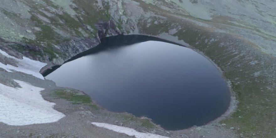 Giresun'un buzul gölleri kendisine hayran bırakıyor