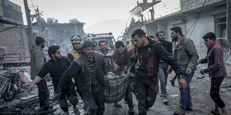 Rusya ve Esed rejiminin İdlib'e hava saldırılarında 20 sivil öldü