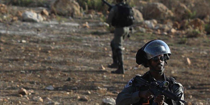 İsrail askerleri Batı Şeria sınırında Filistinli işçilere ateş açtı