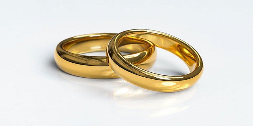 İngiltere'de sandıktan evlilik yüzüğü çıktı