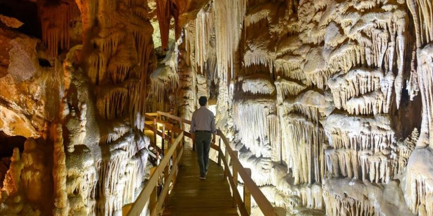 Gümüşhane'deki Karaca Mağarası'nda ziyaretçi sayısı 120 bini geçti