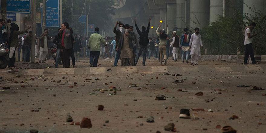 Hindistan üniversitelerinde Müslüman protestosu