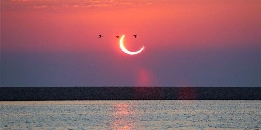 Son Güneş tutulması gerçekleşti, milyonlar küsuf namazı kıldı