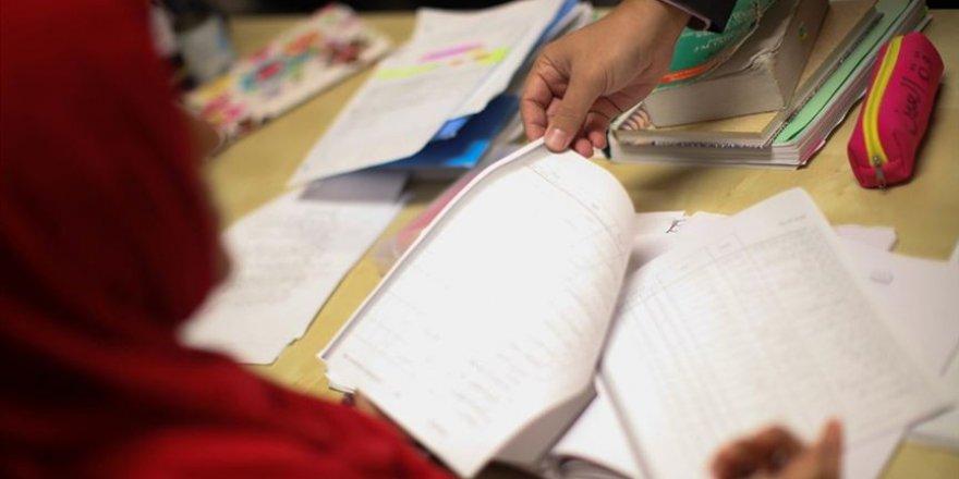 Fransa'da öğrenci ve velilere yönelik başörtüsü yasağını nasıl okumalı?
