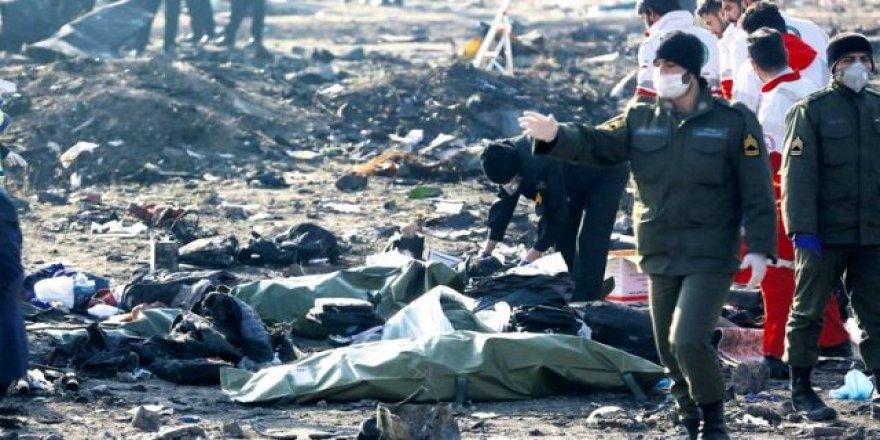 Ukrayna, İran'da düşen uçakta hayatını kaybedenlerin yakınlarına 50 bin lira ödeyecek